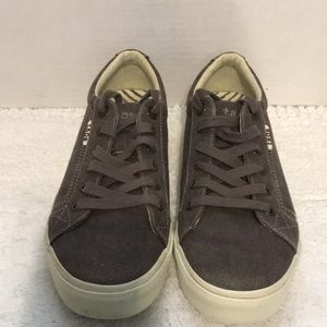 Taos Plum Soul Women's Shoes Size 9